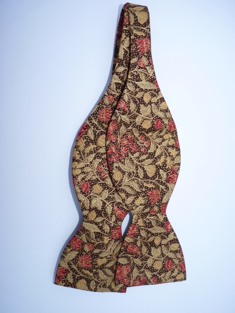 Christmas Floral 1 Self Tie Bow Tie