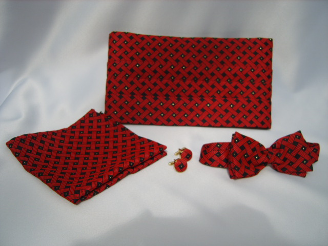 Red/Gold Spot Cummerbund